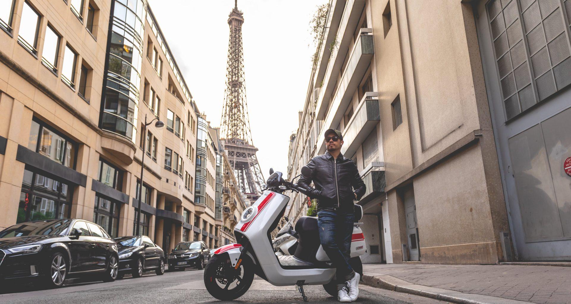 conducir scooter eléctrico Paris