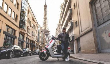 drive electric scooter in Paris