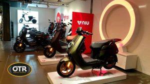 Scooters binnen bij NIU Premium Store OTR Service