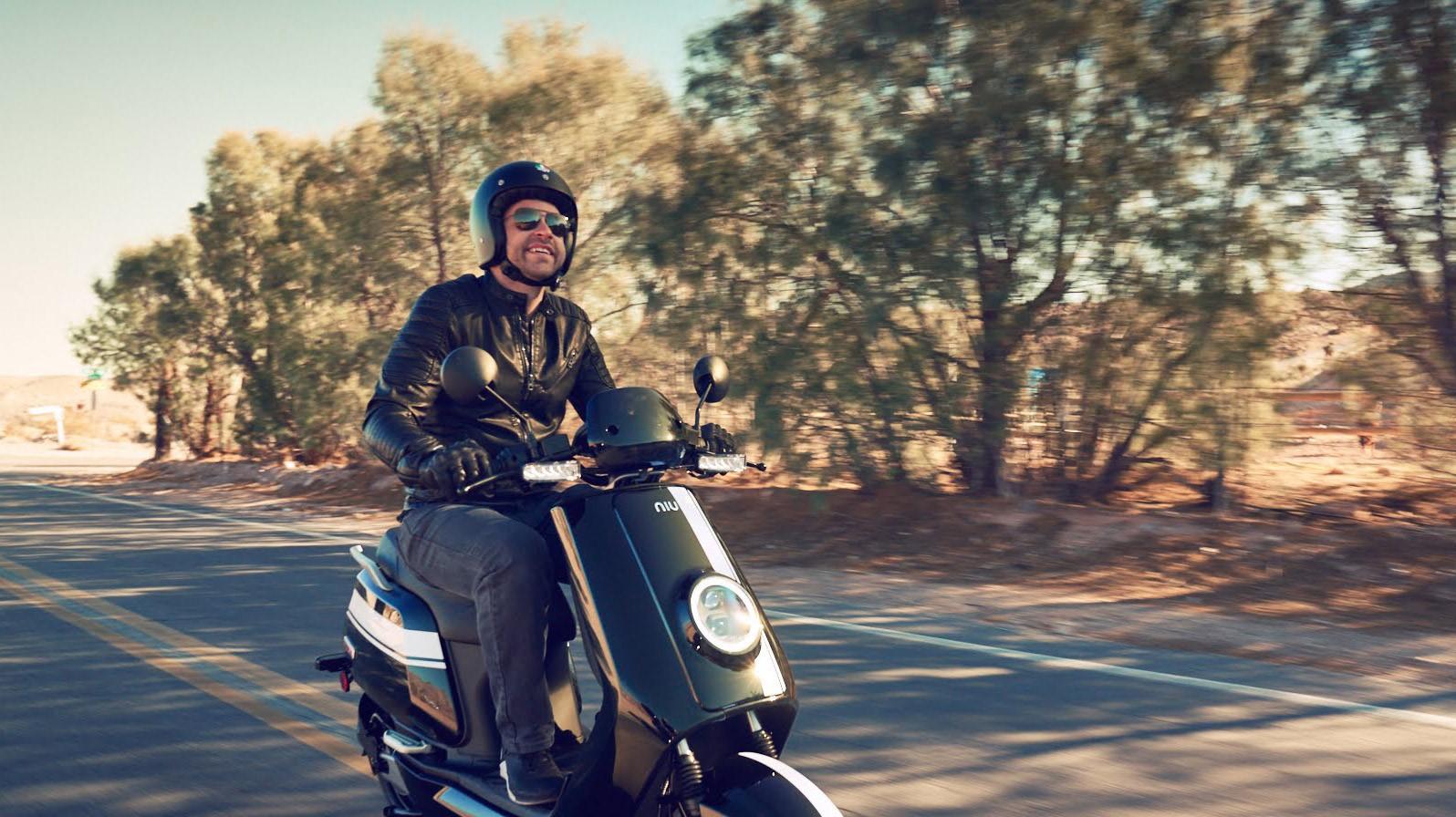 NIU Eté Scooter Ride